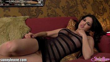 Молодая поблядушка чпокается рачком с клиентом в отеле